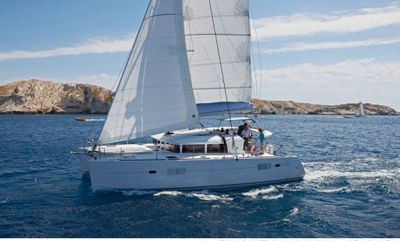 Charter the 11 Person Lagoon 400 S2 Cruising Catamaran In Abaco, Bahamas