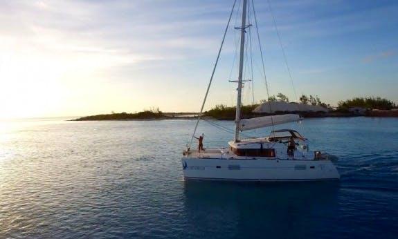 Lagoon 400 Sailing Catamaran for 11 People in Nassau, The Bahamas