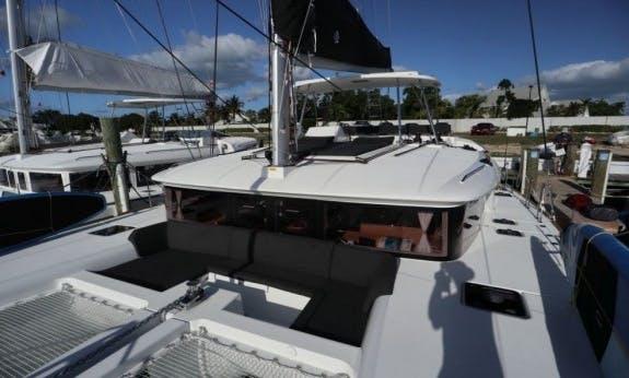 """Lagoon 450 Catamaran with AC """"Galaxy"""" in Nassau, The Bahamas"""