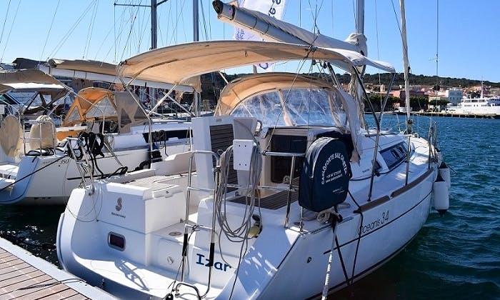 'Izar' Oceanis 34 Monohull Charter & Trips in Carloforte