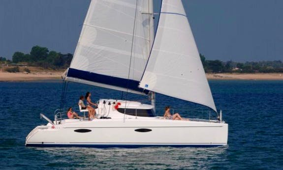 Mahe 36 Cruising Catamaran Rental In Queensland, Australia For 6 Person!