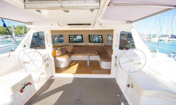 Best Sailing Holiday In Queensland, Australia On Seawind 1160 L Cruising Catamaran