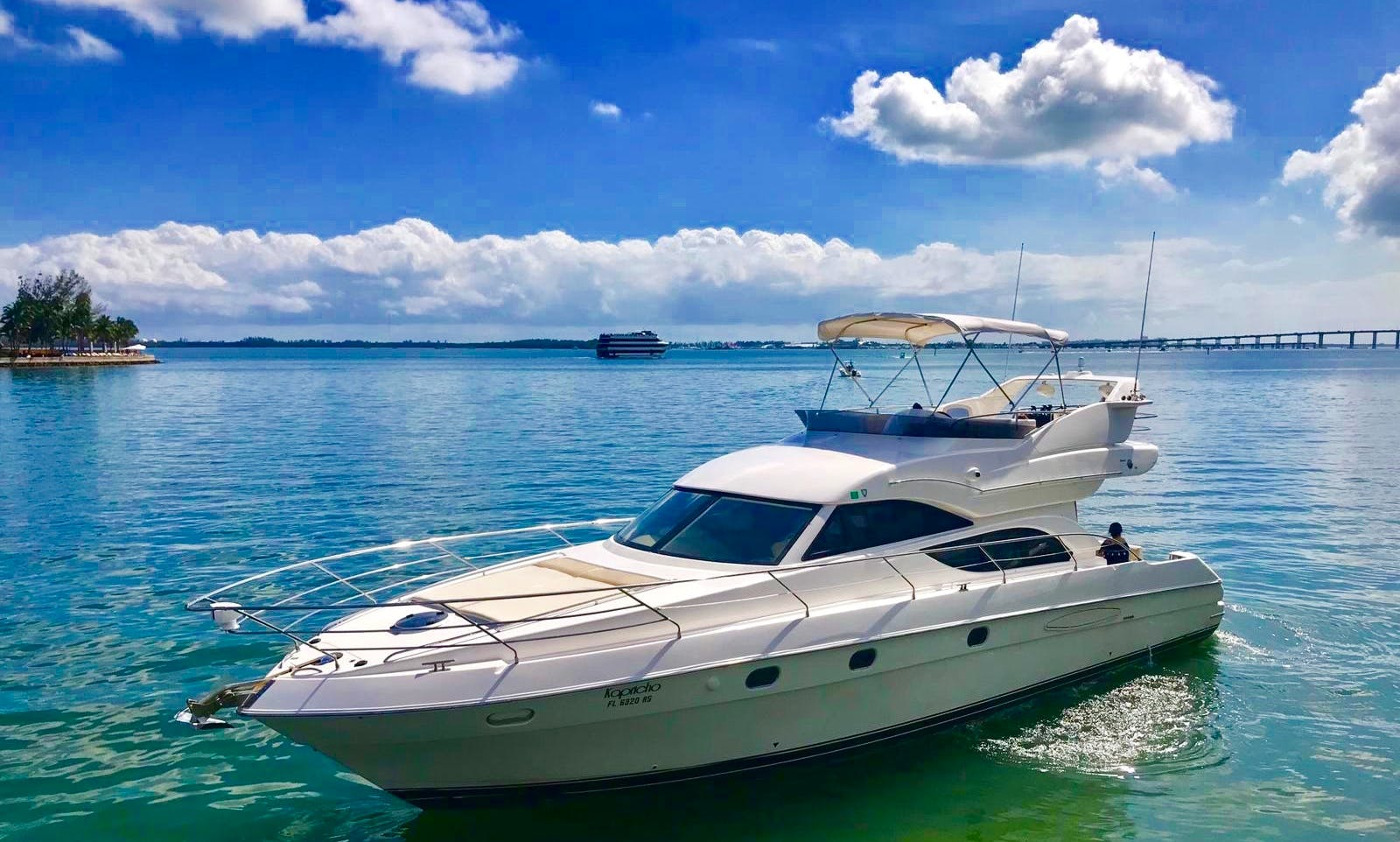 Miami, Azimut best charter 2018 52 ft.