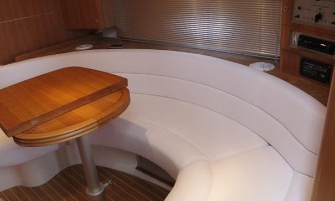 Salpa 39.5 HT Motor Yacht for 12 People. Rent this yacht in Bibinje!