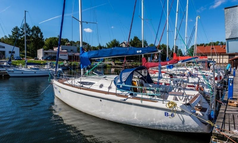 Maxus 33 Sailboat Charter in Giżycko, Poland