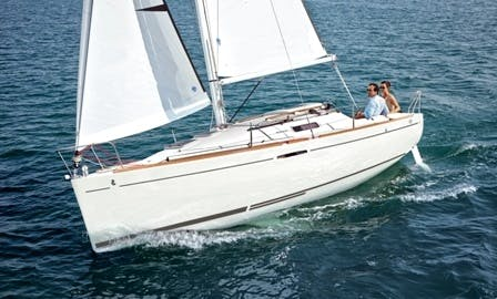 Book The First 25 S Cruising Monohull In La Trinité-sur-Mer, France