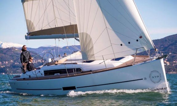 Dufour 310 Gl Lifting Keel Cruising Monohull Rental In La Trinité-sur-Mer, France