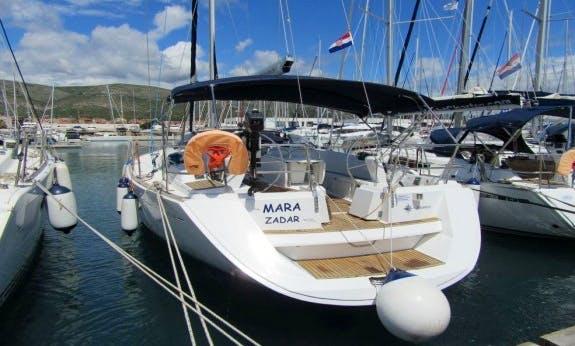 49' Sun Odyssey Sailboay Rental In La Trinité-sur-Mer, France