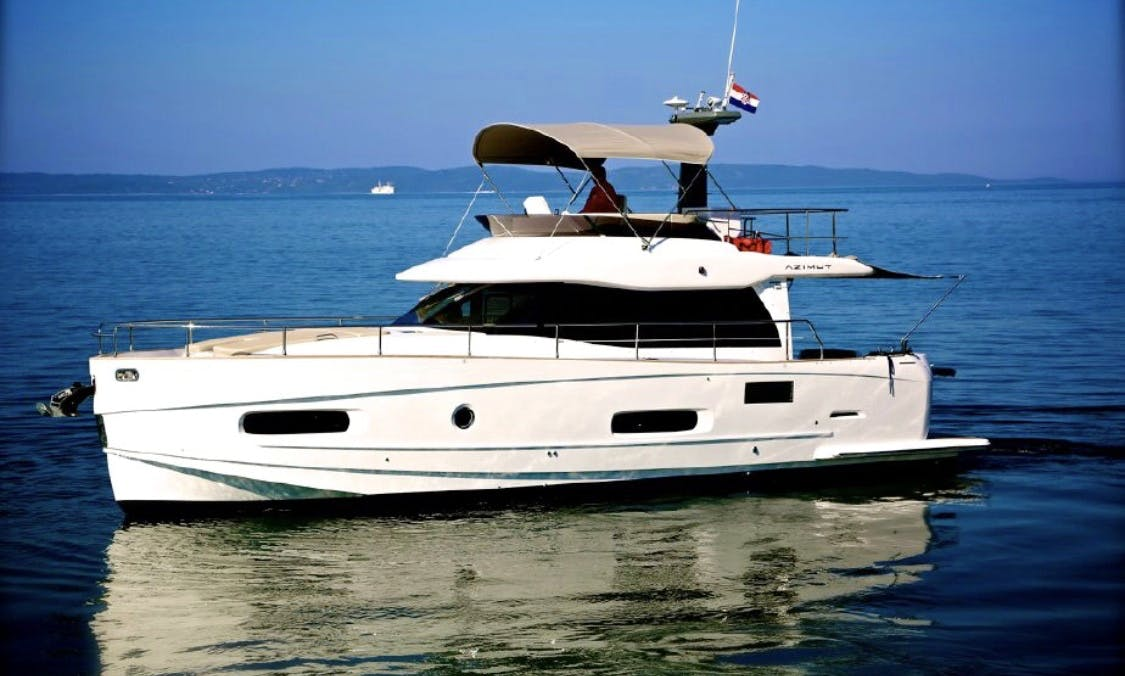 Motor Yacht rental in Miami Beach