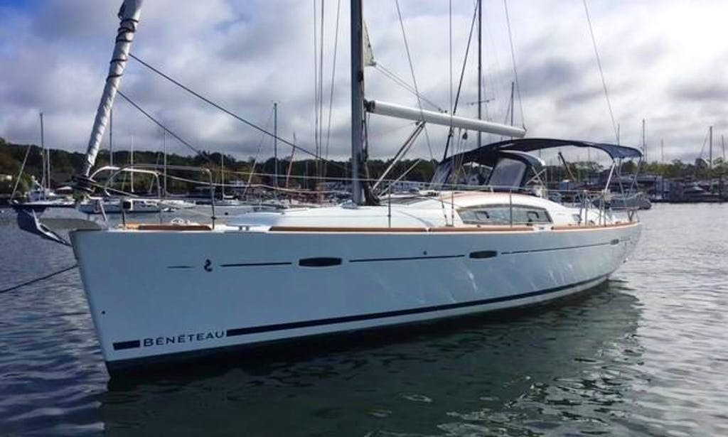 Private Charter this 10 People Beneteau Cruising Monohull in San Diego