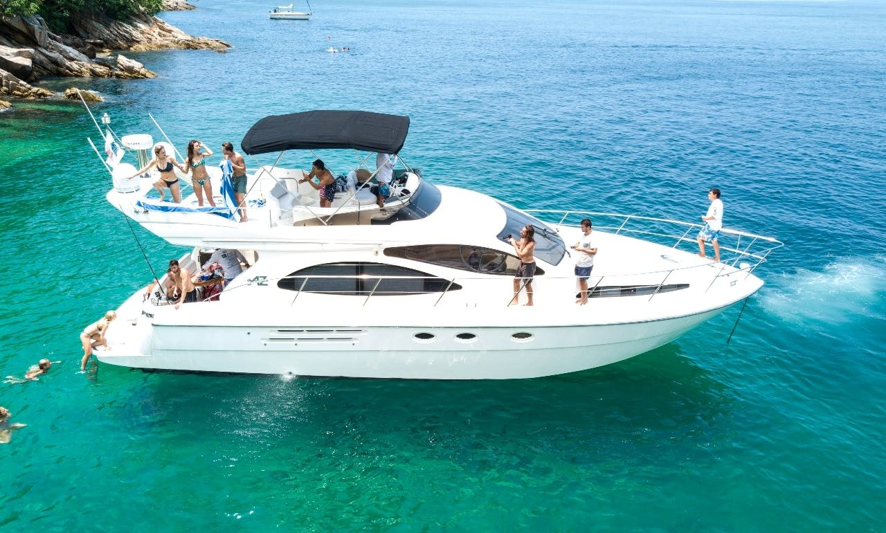 Azimut 46 Flybridge Yacht Charter in Puerto Vallarta, Mexico