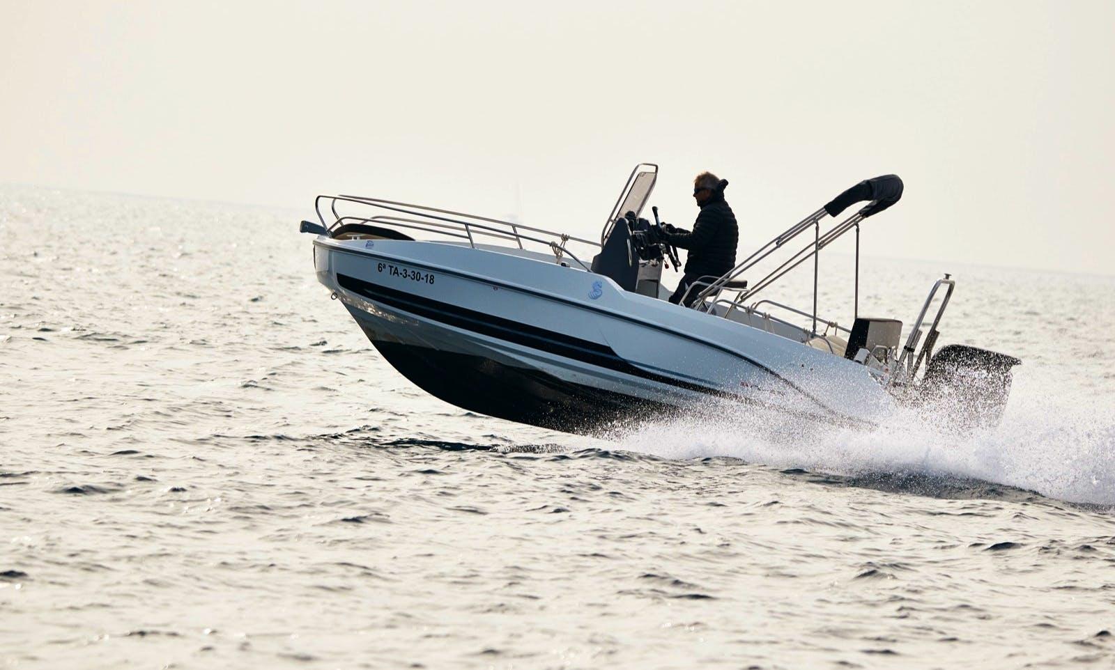 Hire a Beneteau Flyer 5.5 Motor Boat in Barcelona
