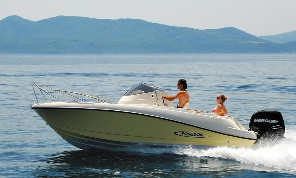 Poseidon 640 Center Console for 8 People in Chania, Greece