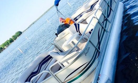 Pontoon rental - We deliver to your dock /servicing area Lakes in SW Michigan