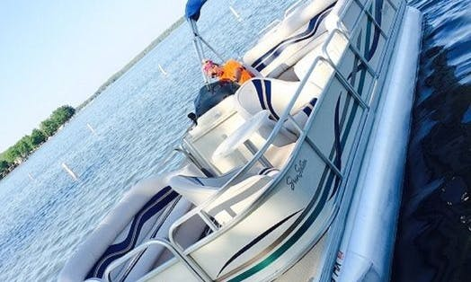 24' Premier Pontoon Rental - We deliver to your dock /servicing area Lakes in South West Michigan