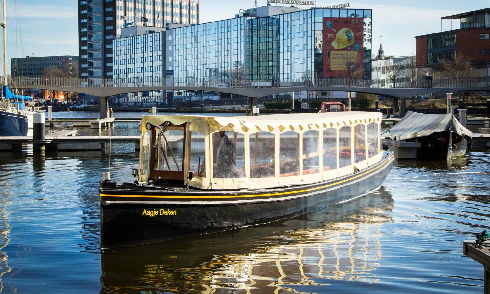Party Aboard 25 People Electric Saloon Boat in Amsterdam