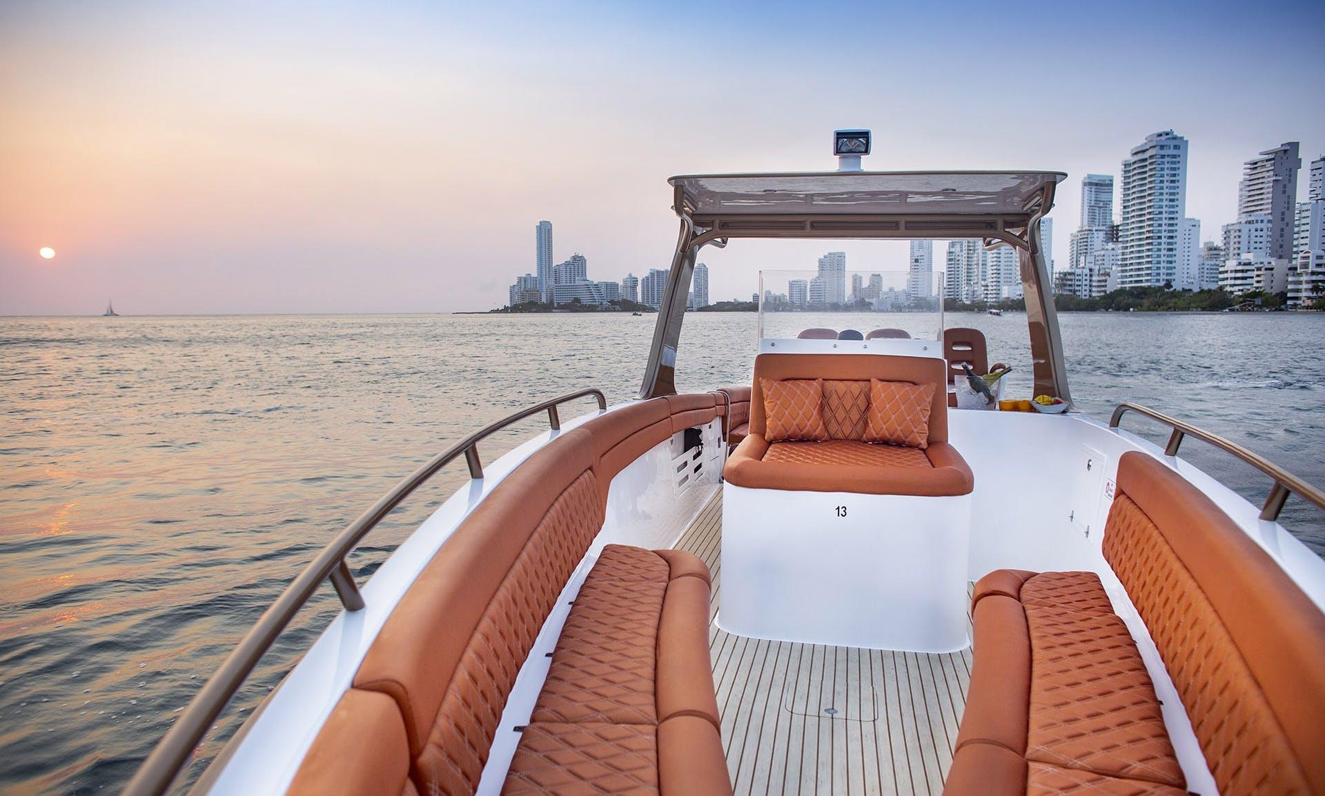 Exclusive Island Experience in Cartagena onboard a 42' Speedboat