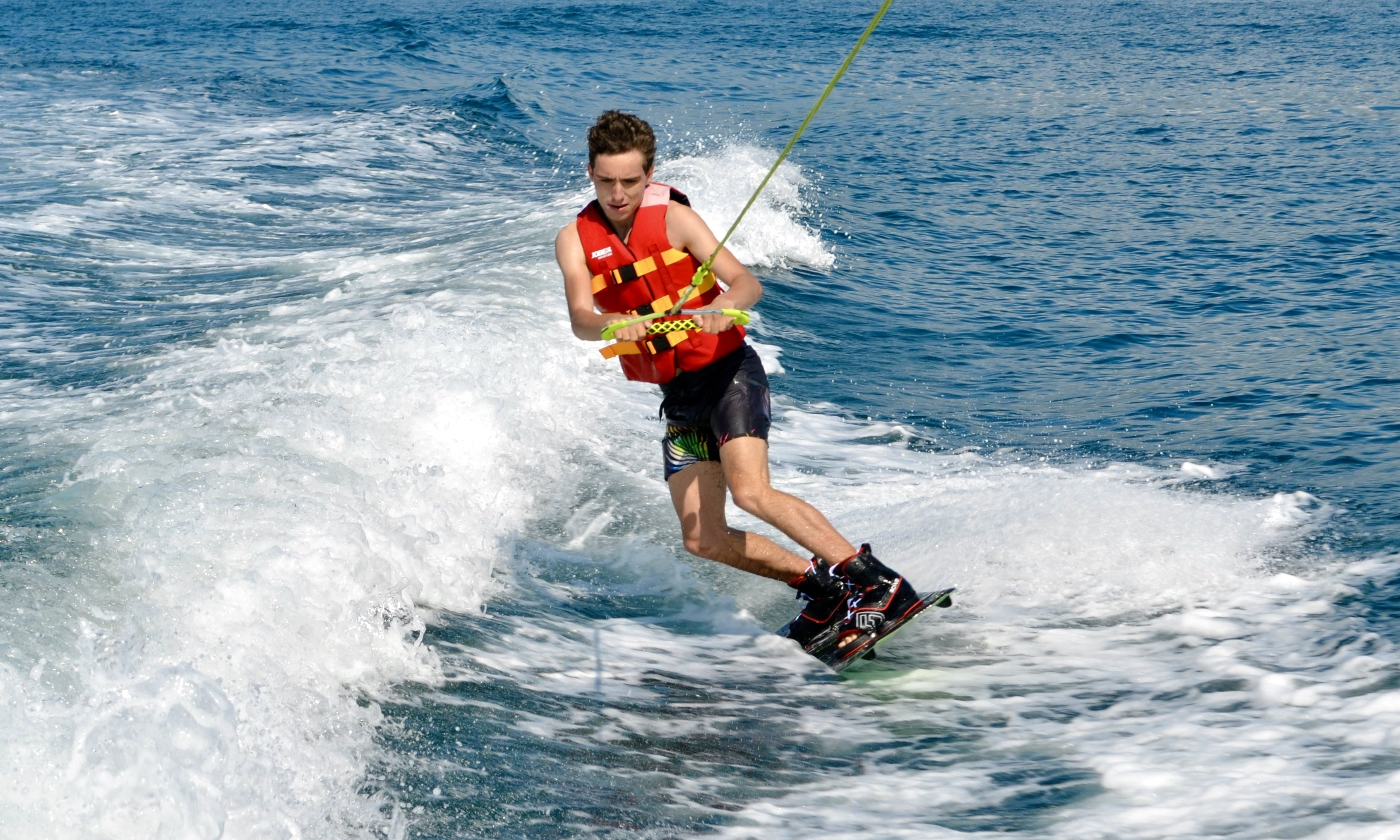 Enjoy An Exhilarating Hours of Wakeboarding In Saint-Tropez, France