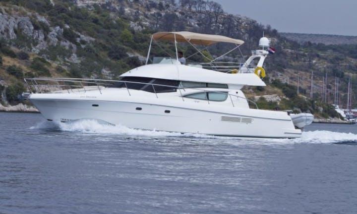 Power boat Prestige 46 rent in Split, Primošten, Croatia