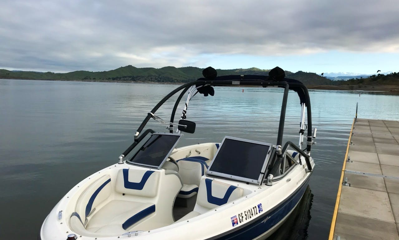 9 Passenger Boat Rental at Millerton lake CA