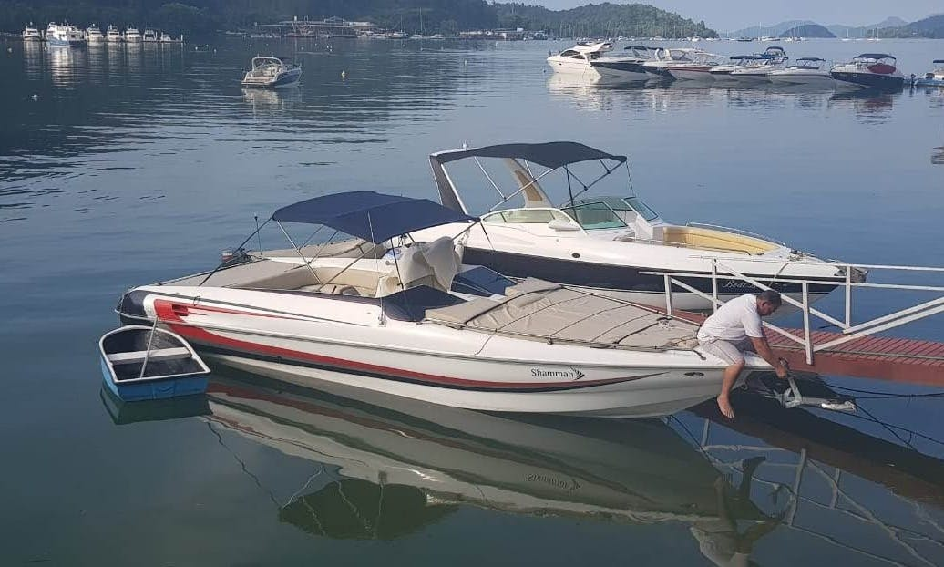 Speed Boat rental in Rio de Janeiro ( Angra dos Reis ) for 12 guests