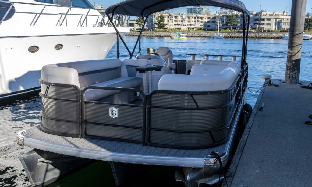 Pontoon rental in Vancouver