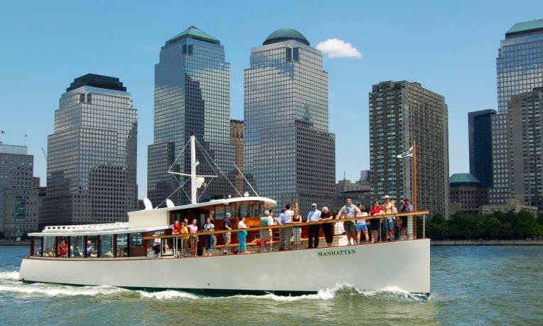 80ft Yacht Charter on New York Harbor
