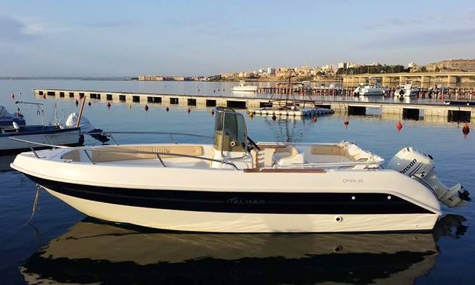 Italmar 20 Center Console Boat Rental for 8 People in Cannigione, Italy