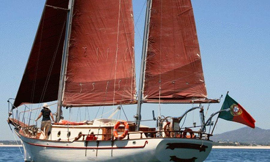 Charter 47ft  or 35ft Vintage Sailboat In Lisboa, Portugal