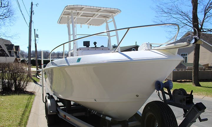 Proline 200 Sportsman Rental Charter for 6 Peopple in Mound, Minnesota